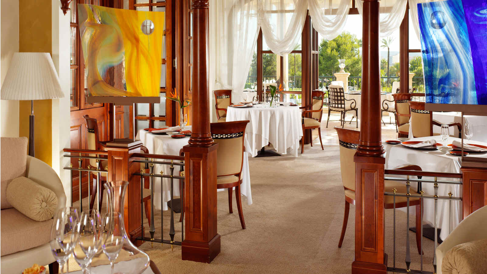 Restaurant Es Fum | The St. Regis Mardavall Mallorca Resort